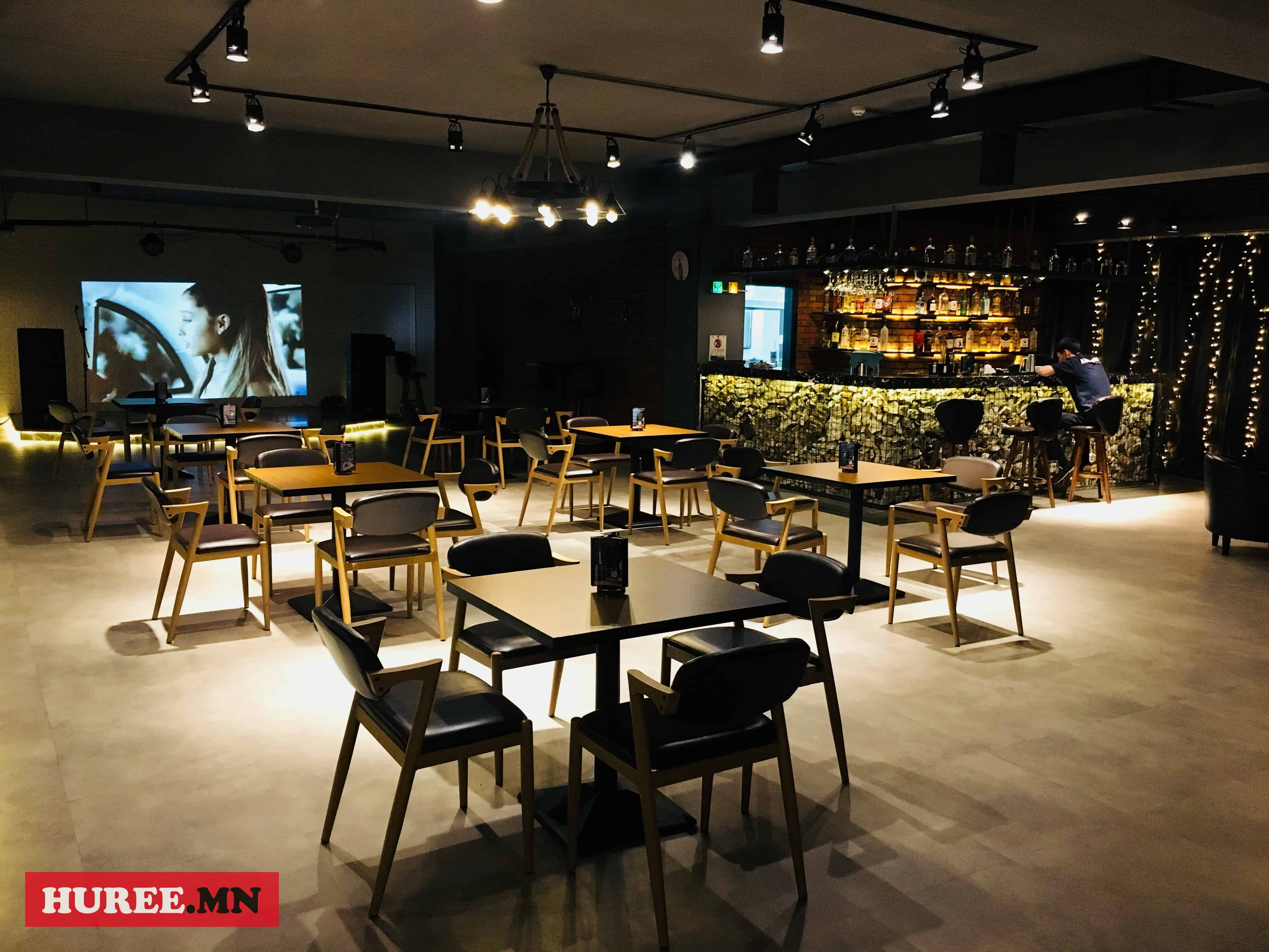 ancestor-lounge-shine-jil
